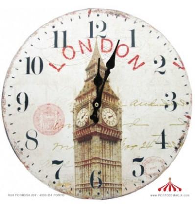 Relógio em Madeira Londres