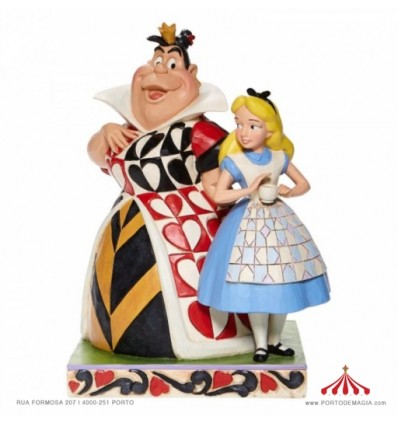 Chaos and Curiousity - Alice and the Queen of Hearts Figurine - Disney