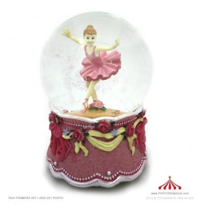 Bola com bailarina rosa
