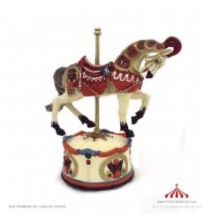 Cavalo musical vermelho e bege