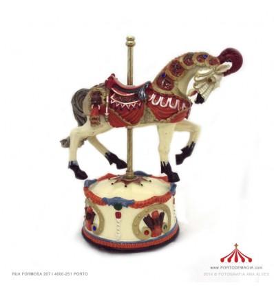 Cavalo engalanado para senhora em Polystone