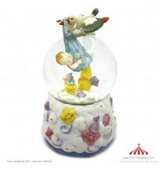 Bola de cristal cegonha com bebé