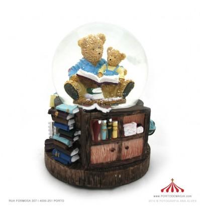 Bola de neve com ursos a ler em Polystone