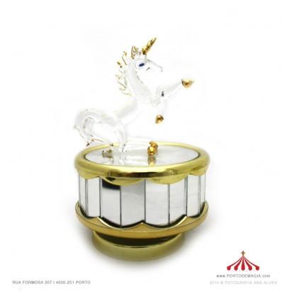 Unicornio dourado