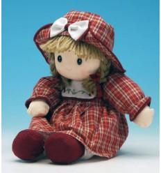 Boneca com chapéu vermelho de pano