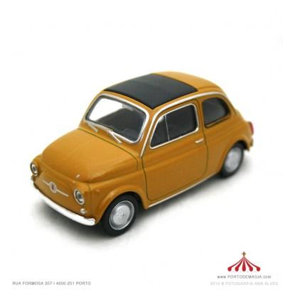 Fiat Nuova 500 castanho