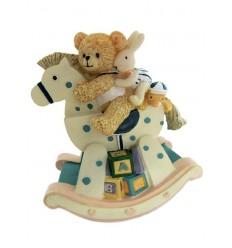 Urso em cavalo de baloiço
