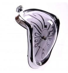 """Relógio """"Dali"""" a derreter"""