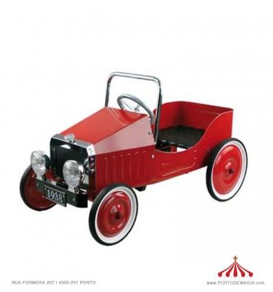 Carro pedais vermelho