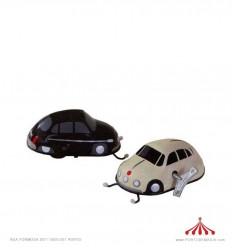 Automóvel escaravelho preto