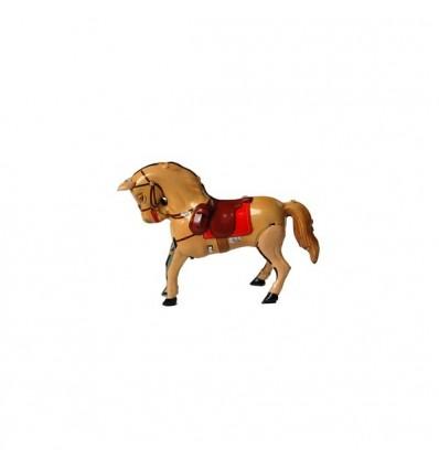 Cavalo amarelo em chapa