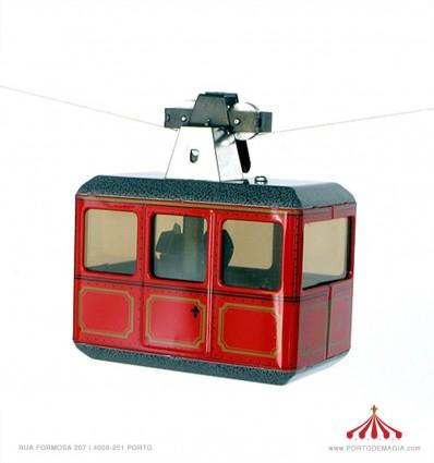 Teleférico vermelho c/ cabo