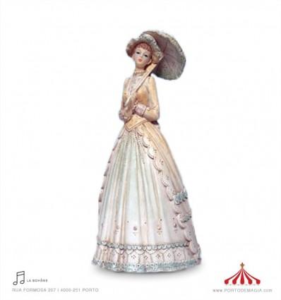 Senhora com sombrinha aberto em porcelana
