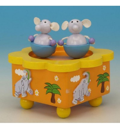 Os elefantes na caixa de musica em madeira