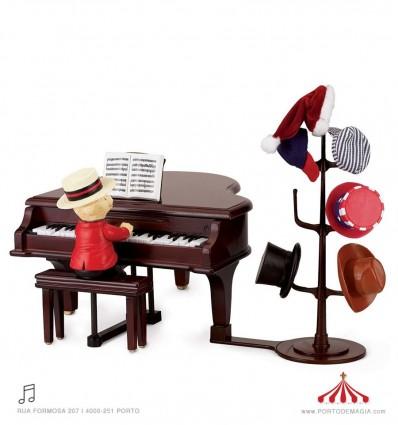 O Teddy aceita pedidos ao piano