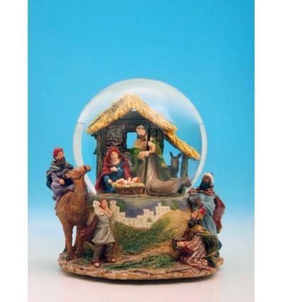 Bola de neve com uma cena de Presépio e com 3 Reis Magos em plástico
